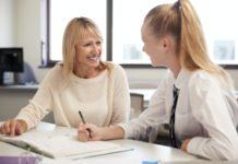Einzelunterricht im Klassenzimmer