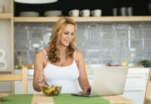 Pregnant woman on healthy diet